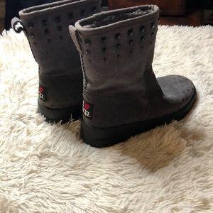 "Ugg ""I love ugg"" boots"